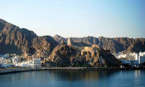 """Viaggi di Capodanno in Oman in """"Tour di Gruppo in Oman con Muscat e Mare"""". Tour di Gruppo in Oman Ultimo dell'Anno 2019 a Muscat, Capodanno nel Deserto in Campo Tendato, Sur, Nizwa e Vacanze Mare, con guida in italiano."""