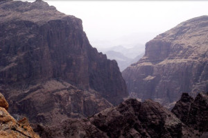 Viaggi in Oman, foto delle montagne verso Jebel Shams