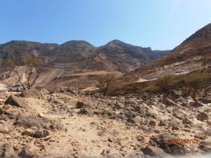 Viaggio in Oman, foto delle montagne vicino al Rub al Khali, parte del deserto Empty Quarter.