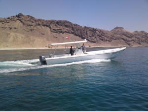 Pesca nelle Isole del Sud Oman, Mare Arabico, famose per la pesca da Big Game. Foto della barca per al pesca, popping, jigging al G.T. ed altri pesci da record.