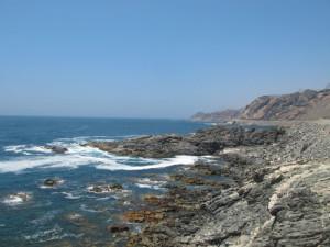 Pesca in Oman Sud dalla costa, foto di uno spot sulle coste nel Dhofar, intorno a Salalah nel Mar Arabico, parte dell' Oceano Indiano.