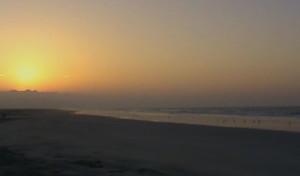 Foto spiaggia sull' Oceano indiano in Oman del sud vicino a Salalah.