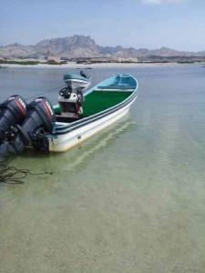 Pesca nelle Isole del Sud Oman, Oceano Indiano, famose per la pesca del G.T.. Foto di una barca predisposta per il salt fly fishing.