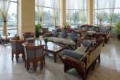 Tour e vacanze mare in Oman. Foto di un bar presso Hotel Crowne Plaza in Salalah, Dhofar.