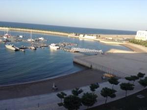 Vacanza al mare in Oman, hotel Millennium Muscat. Foto del mare del golfo dell'Oman.